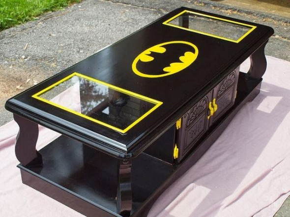 bat-table-batman-logo